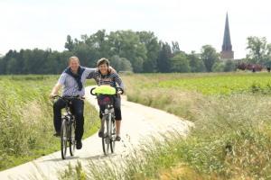 wie fietst, geeft er de voorkeur aan te blijven fietsen en 43% van de autogebruikers zou liever fietsen of te voet gaan.