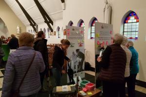 Kerk als dorpsknooppunt in Braken