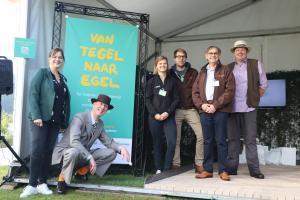 Lancering campagne 'van tegel naar egel' op de tuindagen te Beervelde
