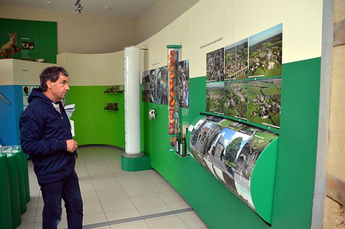 geschiedkundige en natuureducatieve tentoonstelling in bezoekerscentrum in 's-Gravensvoeren