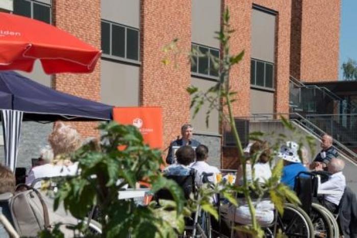 Warme tuin Ocura Beringen, opening, speech minister Vandeurzen