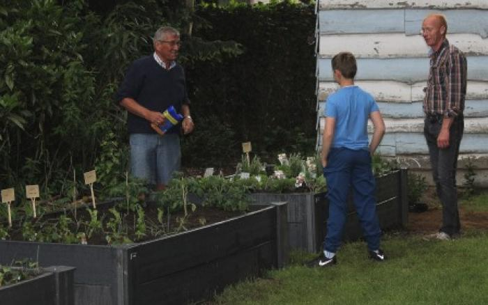 Warme tuin Edegem, aan het einde van de plantdag is iedereen content